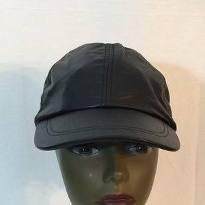 Accessories - ⚫️ HP Givovanni Solid Genuine Leather Baseball Cap